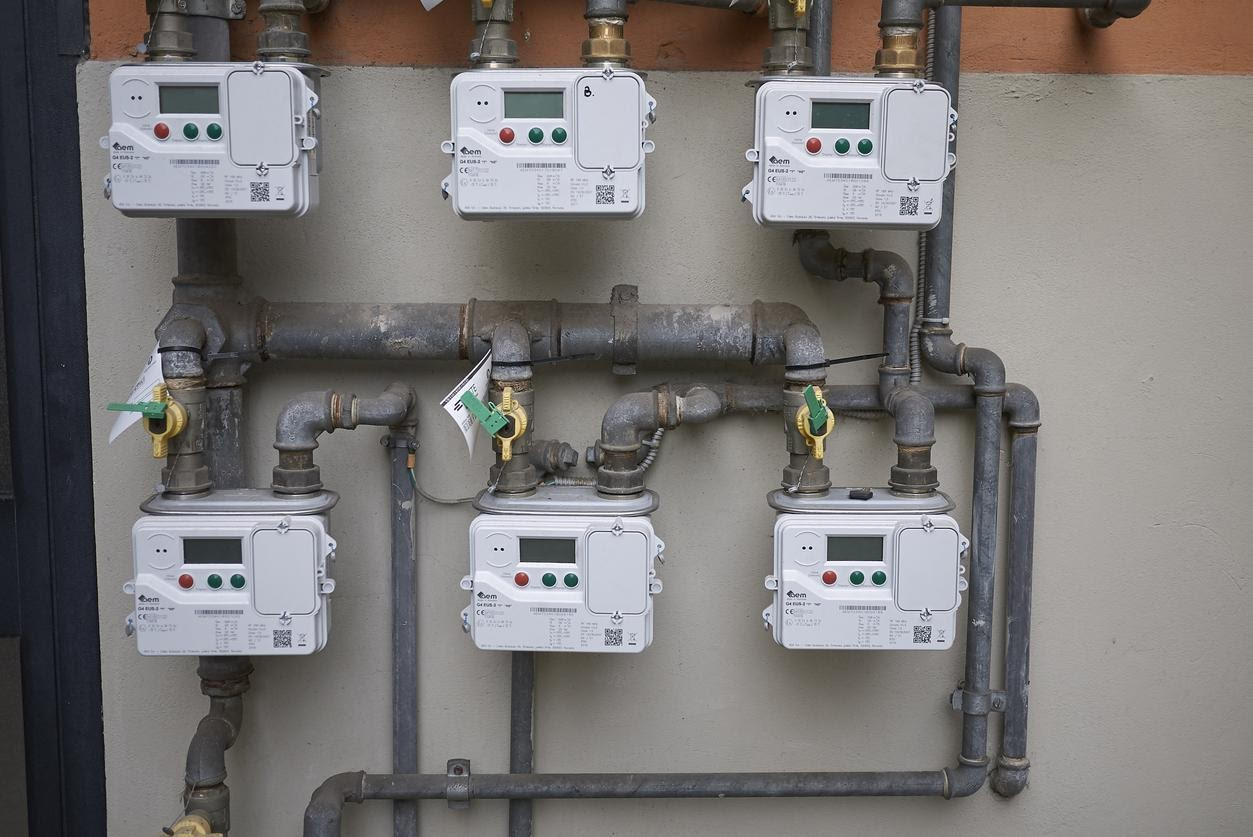 commercial gas meters installed business use